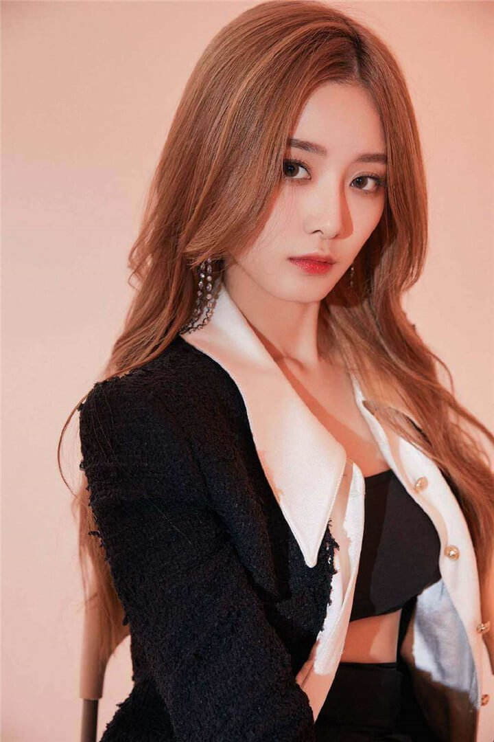 "The 2 ""Chuang 2020"" Contestants Become The Hottest After Bonbon Girls 303 Debuted"