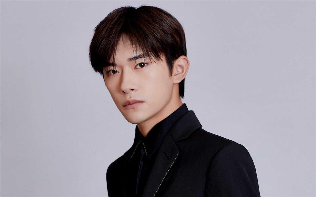 Jackson Yee (Yi Yangqianxi) 易烊千玺 Profile