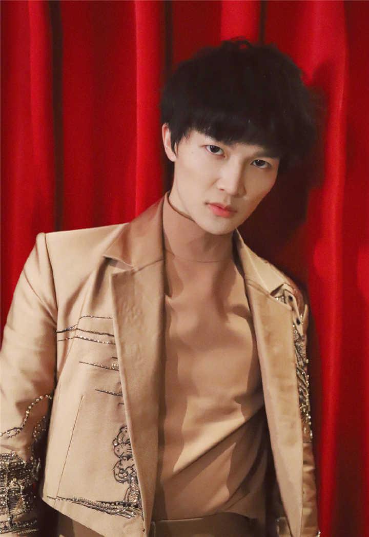 Zhou Shen (Charlie Zhou) Profile