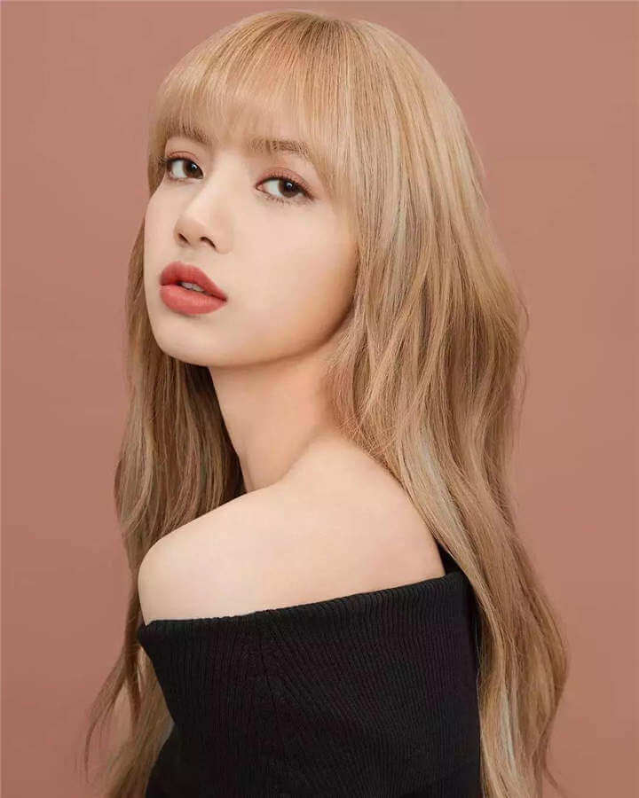 Lisa (Black Pink) Profile