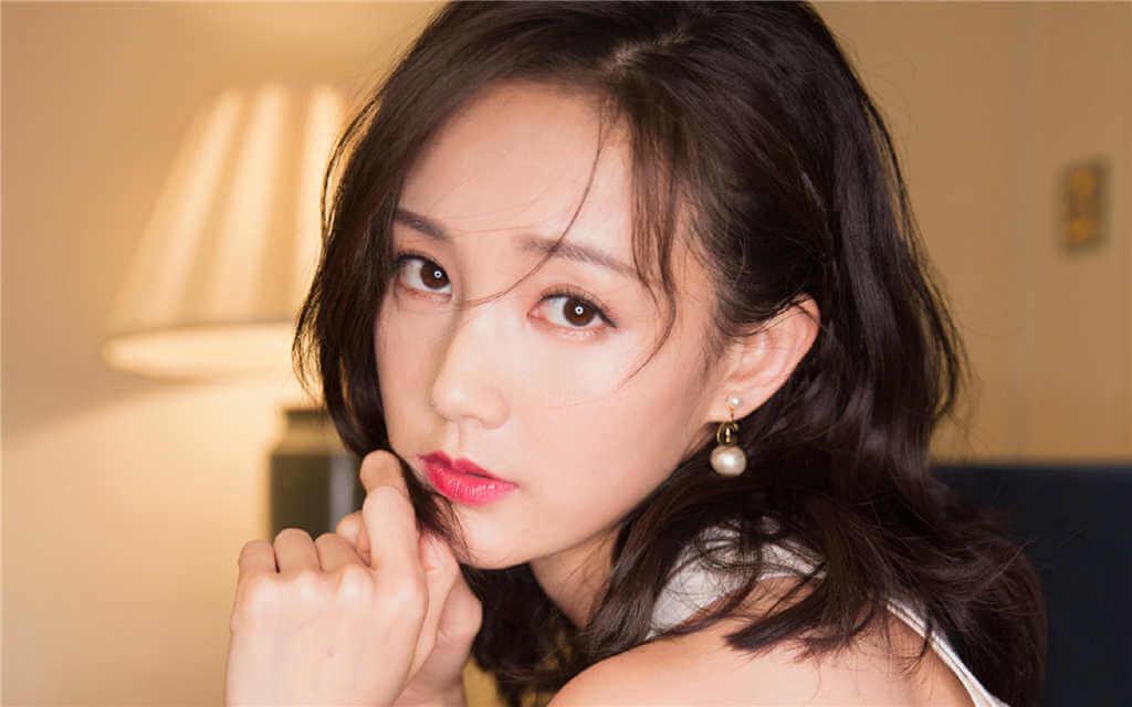 Li Yitong (李一桐) Profile