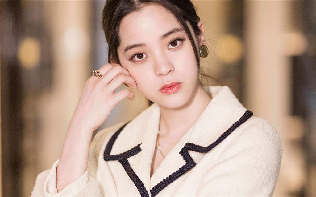 Ouyang Nana(欧阳娜娜) Profile