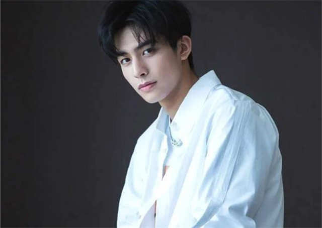 How many girlfriends has Song Weilong had? What kind of girl does he like?