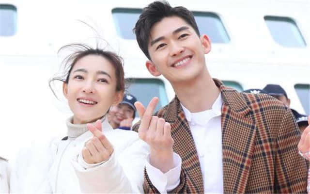 "Zhang Han, Wang Likun Build A Dream And Love In ""One Boat, One World"""