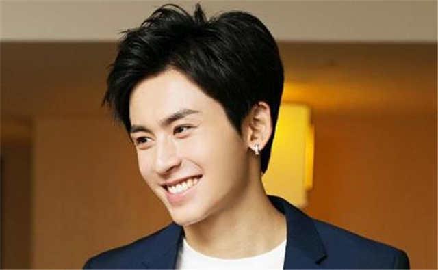 Who Is Zhang Zhehan's Girlfriend? Did He Get Married?
