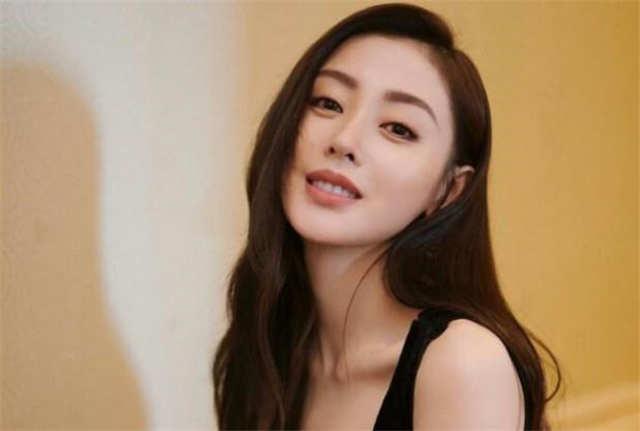 Who Is Crystal Zhang Tian'ai's Boyfriend? Is Xu Kaicheng?