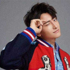 Who Is Niu Junfeng's Girlfriend? What's His Relationship With Guan Xiaotong And Yang Zi